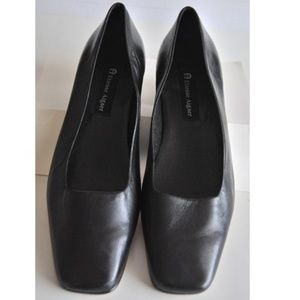 "ETIENNE AIGNER LEATHER ""TWIGGY"" Flat Size 10M"